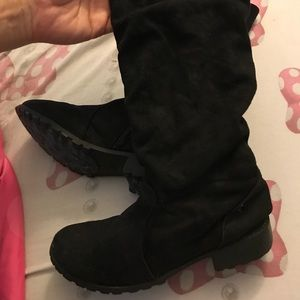 Like new girls justice boots
